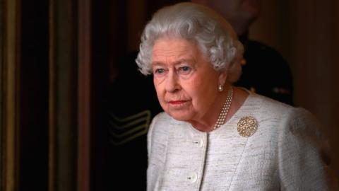 Business as usual: Queen Elizabeth lässt sich vom Coronavirus nicht aufhalten