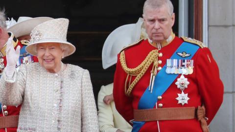 Neue Sorgen für Elizabeth II.: Prinz Andrew wird in Netflix-Doku schwer belastet