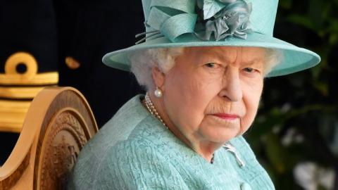 Protokoll missachtet: Queen Elizabeth schockiert über Fauxpas eines französischen Präsidenten