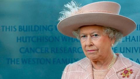 Queen Elizabeth: So empört war sie wirklich von Camillas Bikini-Fotos