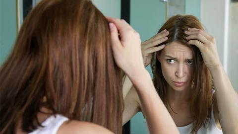 Kein graues Haar: Bestimmte Lebensmittel halten Alterungsprozess der Haare auf