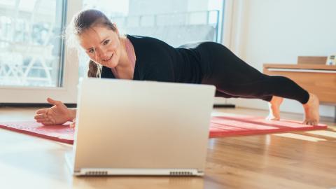 Fitness-Training für die Haut: Dieses Workout verjüngt deine Haut