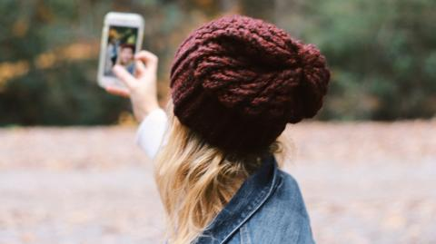 Influencerin packt aus: So wird dein Selfie perfekt und das ganz ohne Filter