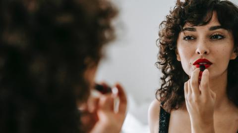 Dieser Trick geht auf TikTok viral: So trägst du Lippenstift perfekt auf