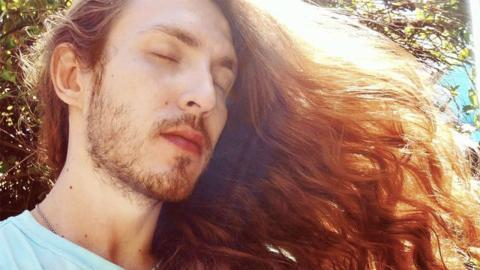 Männliche Rapunzel: Durch Selbstversuch lernt dieser Mann eine erschreckende Sache