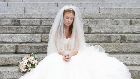 Obwohl sie Single ist: Frau plant ihre perfekte Märchenhochzeit