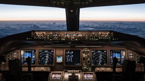 Pilot verliert seinen Job, weil er spezielles Bild aus dem Cockpit postet