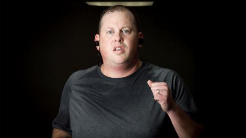 So unglaublich verwandelt er sich, nachdem er von seiner Frau wegen seines Gewichts verlassen wird