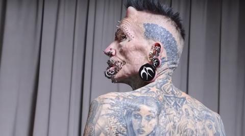 Rolf Buchholz: Der Mann mit den meisten Piercings der Welt (Video)