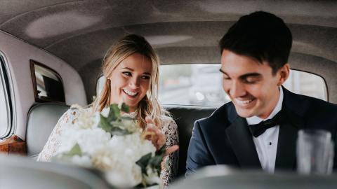 Braut gibt Bräutigam das Ja-Wort: Dann schockiert sie alle Gäste