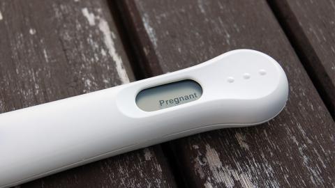 Schwangerschaftssymptome: So erkennt ihr auch ohne Test, dass ihr schwanger seid