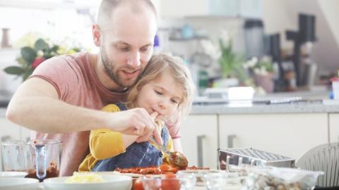 Coronavirus: Leckere Rezepte, die ihr zusammen mit euren Kindern kochen könnt