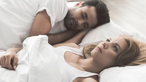 Einschlafstörung: Mit der 4-7-8 Atemtechnik durchbrist du den Teufelskreis der Schlaflosigkeit