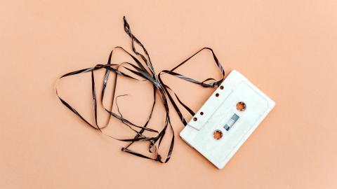 Wertvoller Krimskrams: So viel sind altes Spielzeug oder Uralt-Handys heute wert!
