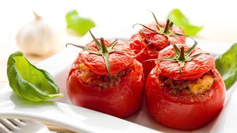 Gefüllte Tomaten: Mit diesen fünf Tipps gelingt das leckere Gericht ganz sicher