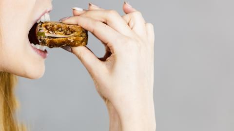 Studie: Wer abnehmen will, sollte nicht nur darauf achten was, sondern auch wie er isst