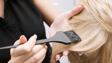 Haarfärbemittel können alarmierende Folgen für die Gesundheit haben