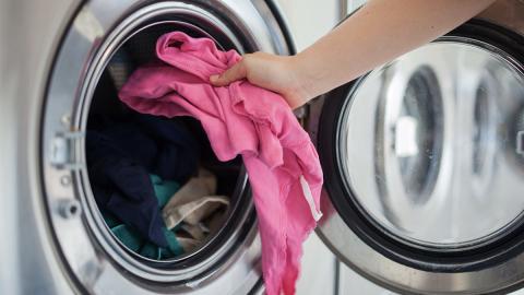 So vermeidet ihr unangenehme Gerüche in der Waschmaschine