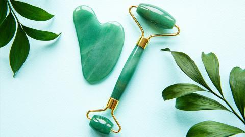 Beauty-Must Have aus dem 7. Jahrhundert: Darum solltest du in einen Jade-Roller investieren