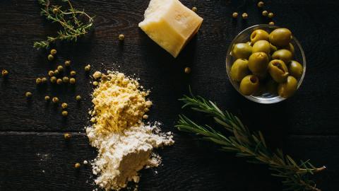 Mit zwei Zutaten: So kannst du in 5 Minuten leckere Parmesanplätzchen zaubern