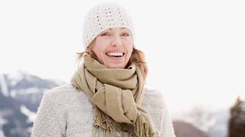Bakterienfalle im Winter: So oft solltet ihr euren Schal waschen