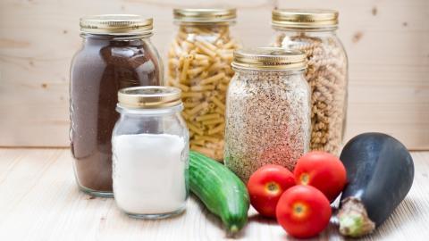 Richtig lagern: Diese drei Nahrungsmittel brauchen Dunkelheit