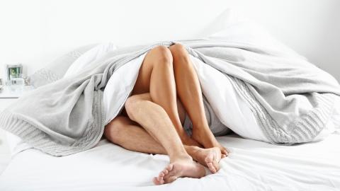 Warum ein jüngerer Partner eure Lebenserwartung verringert!