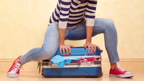 Zu viel Gepäck? Mit der KonMari-Methode packst du deinen Koffer richtig