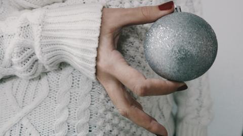 Weihnachtskugel mal anders: 5 DIY-Ideen, um die kleine Kugel neu in Szene zu setzen