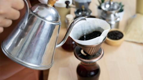 Kaffeesatz: 3 Gründe, warum ihr ihn nicht wegwerfen solltet