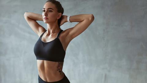 Mit diesen 5 Tipps bleiben deine Brüste auch im Alter straff