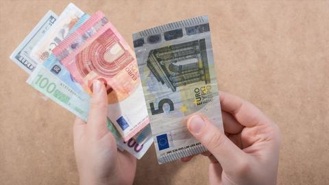 Kuriose Seriennummer: Ein 5-Euro-Schein macht ihn reich