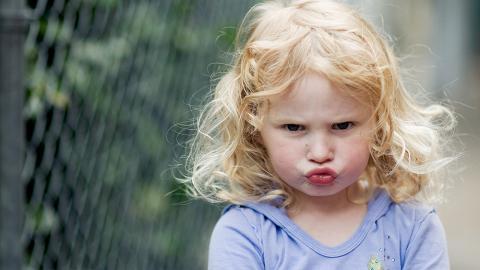 In nur drei Schritten: Mit dieser Erziehungsmethode bockt dein Kind nicht mehr rum