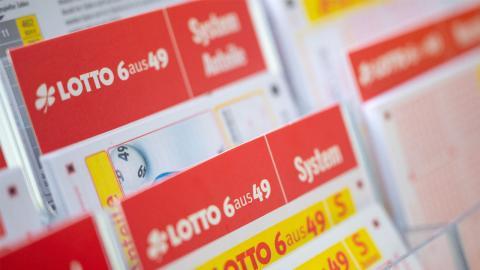 Mehrfacher Lotto-Gewinner verrät, wie man sicher und einfach im Lotto gewinnen kann