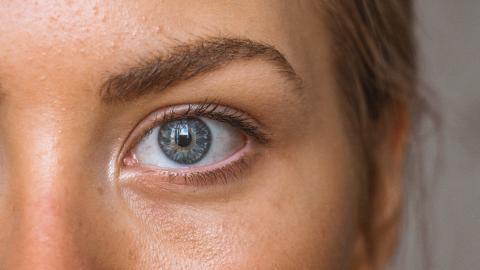 Corona: Ein neues Symptom zeigt dir, ob du dich eventuell angesteckt hast