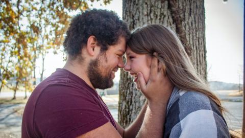 """""""Advo-Dating"""" verspricht der Dating-Trend 2021 zu werden"""