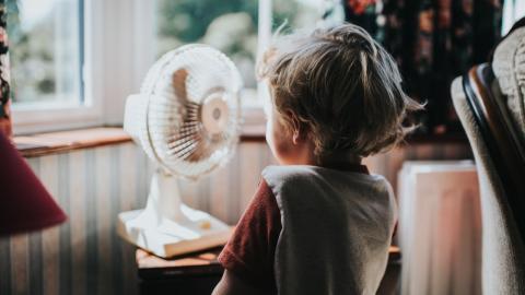 Hitzewelle: Mit diesen Tipps bleibt eure Wohnung schön kühl