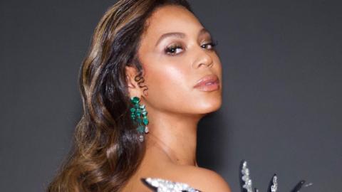 Style-Queen Beyoncé: Ihr wunderschönes Samtkleid lässt tief blicken