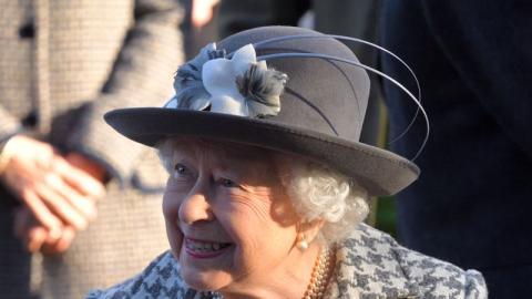 The Crown: Wer schlüpft in der letzten Staffel in die Rolle von Queen Elizabeth II?