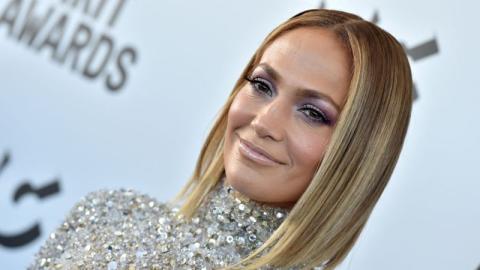 Abstecher in die 90er: Jennifer Lopez beeindruckt mit Vintage-Frisur