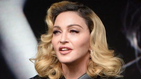 Oben-ohne-Selfie mit 61: Madonna posiert selbstbewusst vorm Spiegel