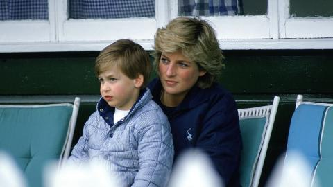 Prinz William schminkt Lady Diana: Kostbarer Familien-Schnappschuss taucht wieder auf (VIDEO)