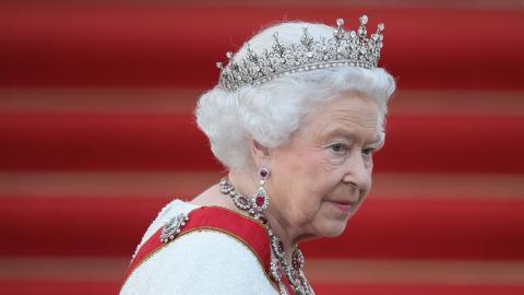 Herz-OP bei Prinz Philip: Dankt die Queen seinetwegen ab?