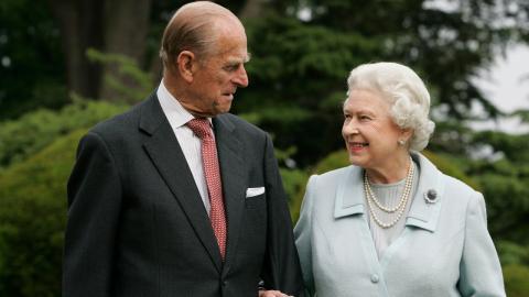 Zum 100. Geburtstag von Prinz Philip: So romantisch ist das Geschenk der Queen für ihren verstorbenen Ehemann