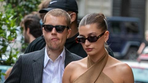 Justin Bieber trifft Präsident Macron: Doch alle achten nur auf Haileys Kleid!