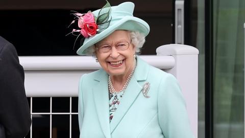 Versöhnungsangebot? Queen Elizabeth lädt Harry und Meghan zum Jubiläum ein