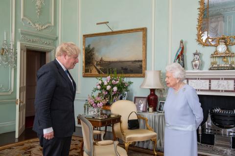 Die Queen: Hat Boris Johnson sie in Lebensgefahr gebracht?