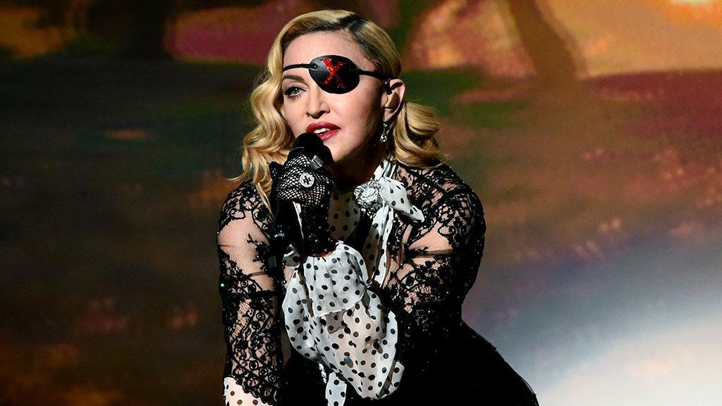 """Madonna muss Tour unterbrechen: """"Der Schmerz ist überwältigend&q…"""