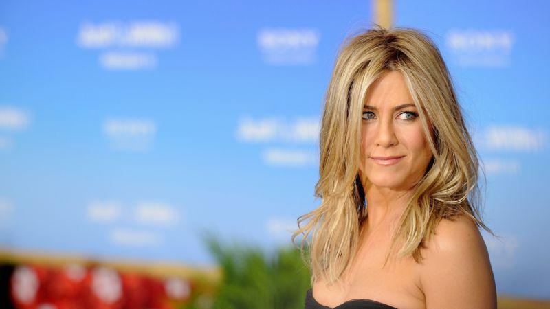 Ein Ring am Finger sorgt für Aufsehen: Ist Jennifer Aniston wieder ve…